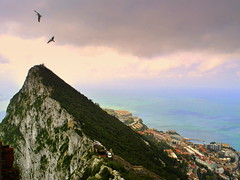 Rock under air control (mujepa) Tags: rock gibraltar rocher mditerrane dtroit
