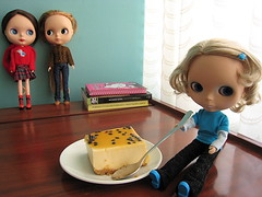 Hanging out.. indoors (Suedehead) Tags: food peru diy hoodie doll lima rosie cheesecake lucia blythe pepsi knitted goldie viva cardigan bait tita passionfruit 2010 hw