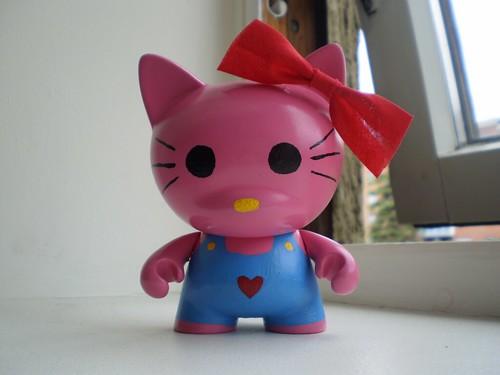 Hello Kitty Munny