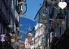 Sightseeing Salzburg - die Einkaufsstrasse Getreidegasse
