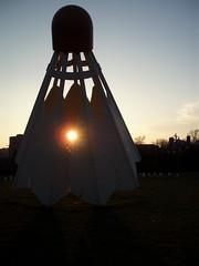 Heart Burn (Lord Jezzer) Tags: sunset sun museum glow nelsonatkins shuttlecock nelsonatkinsmuseum