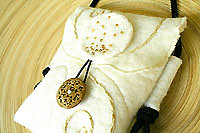 ivory wool felt mini purse..champagne bubbles!