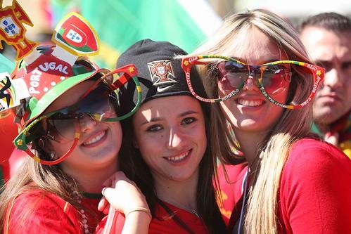 Mundial Sudáfrica chicas con gafas grandes