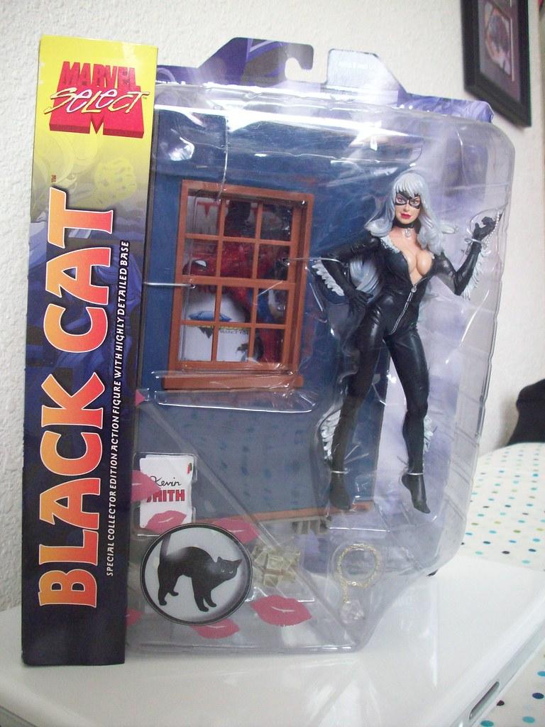 Marvel Select: Black Cat (w/ secret Spider-Man)