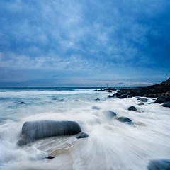 burleigh heads wave (Pawel Papis Photography) Tags: ocean longexposure morning blue sea sky seascape beach water clouds contrast sunrise landscape movement sand rocks raw wave australia move rush queensland dri goldcoast whitewaves dynamicrangeincrease digitalblending sigma1020 burleighheads verto canon400d vertorama