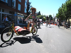 Cirque du Cycling-2010_7 (METROFIETS) Tags: green beer bike bicycle oregon garden portland construction paint nw box handmade steel weld coat transport craft cargo torch frame pdx custom load cirque woodstove builder 2010 haul carfree hpm stumptown paragon chrisking shimano custombike cargobike handbuilt beerbike workbike bakfiets cycletruck rosecity crafted 4130 bikeportland braze longjohn paradiselodge seattlebikeexpo nahbs movebybike kcg phillipross bikefun obca jamienichols boxbike handmadebike oregonhandmadebikeshow hopworks metrofiets cirqueducycling oregonmanifest matthewcaracoglia palletbike oregonframebuilder seattlebikeshow bikefarmer