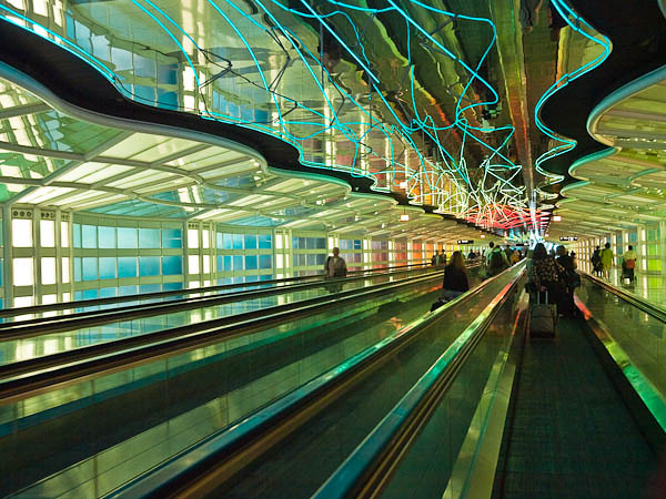 """United Terminal at O""""Hare International Airport, Chicago"""