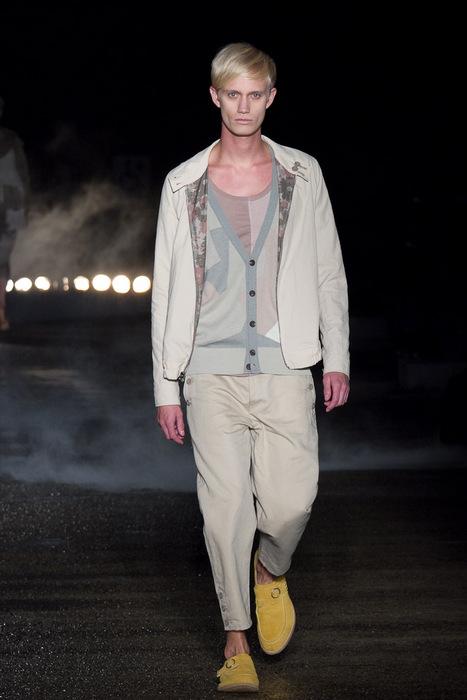 SS11_Tokyo_Davit MEURSAULT001_Nicolai Haugaad(Fashionsnap)