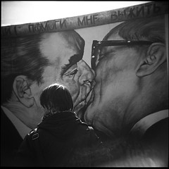 [ deadly love ] (LoZioGuido) Tags: berlin wall honecker deadlylove dmitrivrubel brenev guidodevincentis