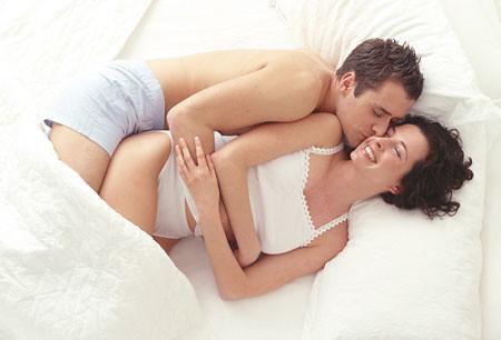 Lý do hấp dẫn để chị em tận hưởng cơn cực khoái  với bụng bầu - Ảnh 1