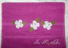 Viciei totalmente...rs rs rs rs (Iris Florarte) Tags: flores folhas handmade artesanato toalha feltro linha tecido lils bordado costura feitoamo