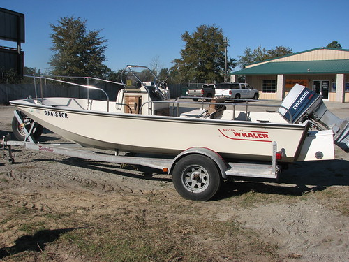 More '86 Boston Whaler - Images