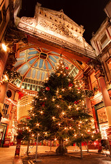Christmas at Leadenhall Market (zxof.rey) Tags: christmas uk longexposure greatbritain winter london canon long exposure leadenhallmarket martin market unitedkingdom rey gb merrychristmas canoneos 1022mm leadenhall 50d reymartin