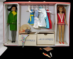 skipper pink double case with dolls and clothing (Tinker*Tailor loves Lalka) Tags: travel pink girl fashion illustration vintage handle model doll exterior graphic little box sister interior vinyl barbie skipper case storage retro trunk boxes suitcase mattel teenage accessory skoooter