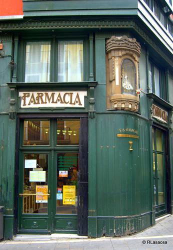 Antigua farmacia en la esquina de la Plaza Consistorial con la calle Nueva