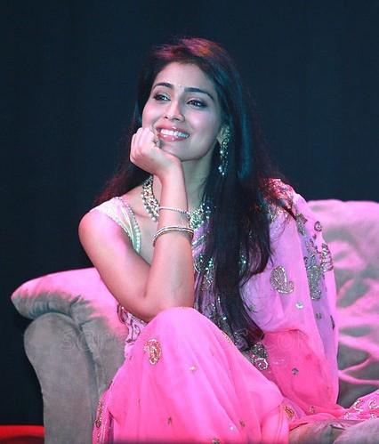 Shriya-pinka-saree (1)