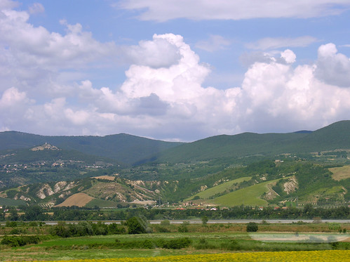 Italian countryside between Rome and Florence