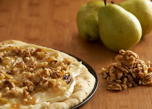 Caramelized Pear with Walnut Pizza 3of3