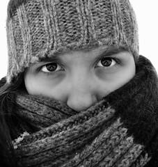 Ice Girl (FedericaPC) Tags: portrait bw selfportrait ice face eyes nikon bn occhi autoritratto federica ritratto bianconero viso biancoenero sciarpa cuffia blackwhitw federicapc