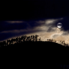 (tobias f.) Tags: new winter light sunset moon black color colour rot dark pentax moonlight feuer smc schwarz neu sauerland k10d pentaxk10d