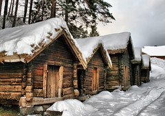 The padlock (larigan.) Tags: winter snow padlock ålesund aalesund bej propertyreleased larigan borgundgavlen phamilton turfedroofs storagehuts gettyimagesnorwayq2 ginordic1