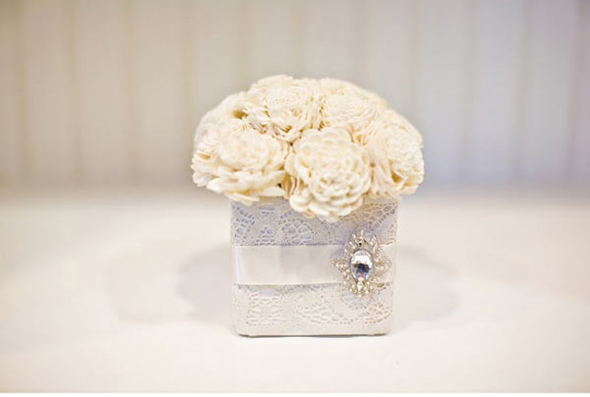 vintage-winter-wedding-centerpieces