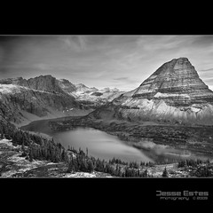 Hidden Lake - 2009 (Jesse Estes) Tags: bw snow landscape glacier glaciernationalpark hiddenlake dusting jesseestes jesseestesphotography