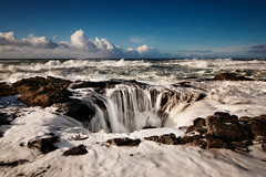 Thor's Well (Nathaniel Reinhart) Tags: ocean sea oregon coast waves crash tide shoreline blowhole shore headlands coastline oregoncoast incomingtide nathaniel capeperpetua turmoil reinhart cookschasm nathanielreinhart thorswell