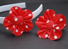 Tiara e elástico de bolinhas (PANO E ARTE BY ALINE) Tags: enfeitedecabelo arcoinfantil floraberta panoearte tiarainfantil