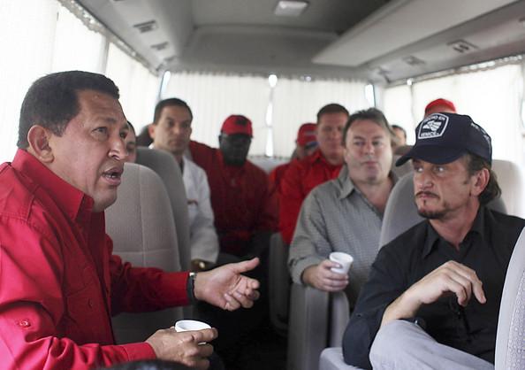 Sean+Penn+Meets+Hugo+Chavez+Wt8ZDU-8ZBgl