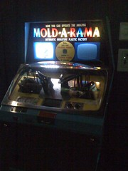 Mold-A-Rama Machine at Lincoln Park Zoo 009
