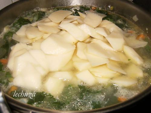 caldo nabicol-añadir patatas