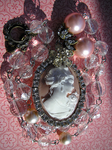 The Romantic Cameo Necklace! 6