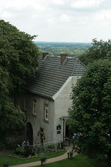 Burg Bentheim guardhouse (Coen Foxfield) Tags: castle canon germany windmills 2009 badbentheim guardhouse burgbentheim bohemiancoen