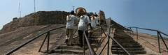 Sravanabelgola 1 (India.Stretched) Tags: india karnataka monolith jain pilgrimage bahubali sravanabelgola vidhyagiri
