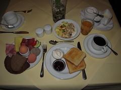 Vom Frhstcksbuffet im Garden-Hotel Nrnberg (multipel_bleiben) Tags: essen gastronomie frhstck