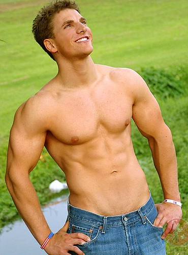 nieil rigney sexy american male model hot muscle shirtless man on the park