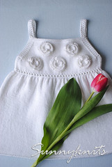 White roses top