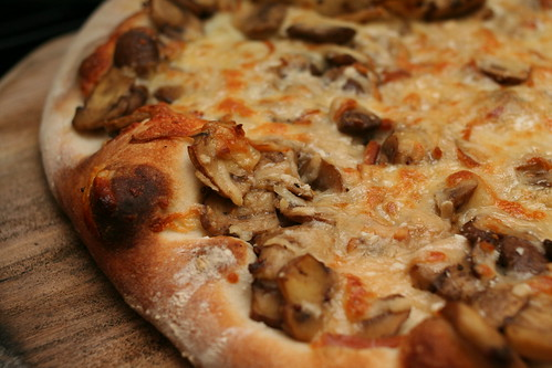 Mushroom & Smoked Cheese Pizza
