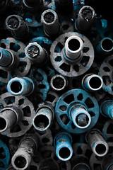 Pipes, ii (NL-DUX) Tags: blue metal grey blauw pipes gray pipe stack stacked metaal pijp grijs stapel pijpen metalpipes steigerpijp gestapeld steigerpijpen