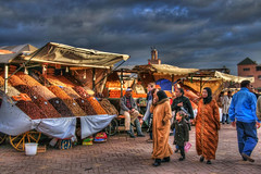 Walking in Marrakech (Fil.ippo) Tags: market explore morocco marocco marrakech mercato hdr filippo djemaaelfna d5000 febbraio2011challengewinnercontest