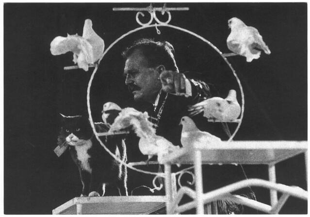 Krenzola (Cirque ACHILLE ZAVATTA. 1991)_LAventure Carto (Le Grand Kervi Circus; 92064). Photo Yvon Kervinio