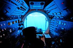 IMG_6256_1000_80 (A Fresh Perspective   Zak Metz) Tags: hawaii waikiki oahu submarine canonefs1022mmf3545usm zakmetz controldeck canoneos40d wwwafpphotographycom 5073849069