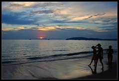 Ao Nang Sunset (konstantynowicz) Tags: girls sunset shadow sea sky woman cloud sun reflection beach girl silhouette night clouds canon thailand evening seaside sand asia pretty waves young east shore thai canon350d fareast far krabi andaman andamansea mygearandme mygearandmepremium mygearandmebronze mygearandmesilver mygearandmegold 4timesasnice