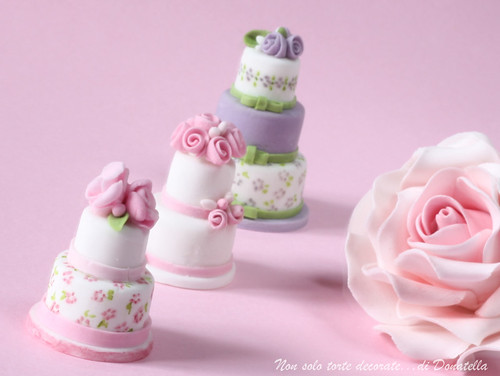 My first miniature wedding cakes Size 4 cm for the two tiers and 5 cm the