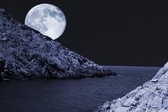 skiathos moon (FiPremo) Tags: blue moon color night photoshop canon eos mare colore blu luna grecia acqua azzurro skiathos filippo fili sera cs3 cs4 premoli photoshopcs4 filippopremoli