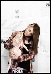 Minino (evaruizpereira) Tags: girl tattoo lady cat lesbian hair newspaper nice eva chica sweet piercing gato guapa nikita pelo tatuaje lesbo peridico lesbiana evaska