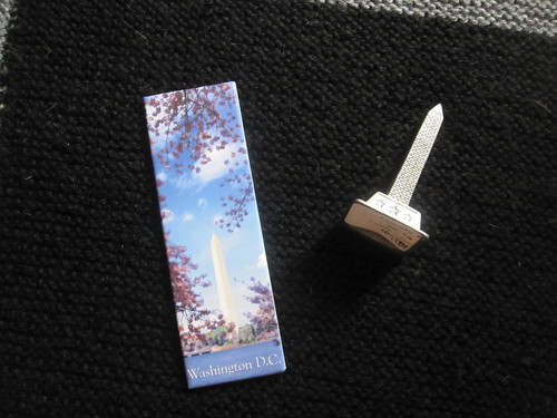 Magnet, mini Washington monument