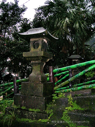 基隆‧獅球嶺平安宮的日式宮燈