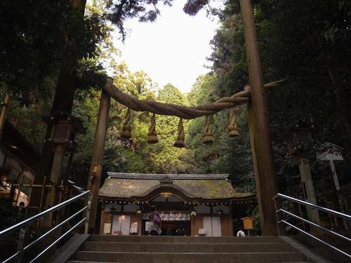 ご神水が湧く「薬井戸」の神社『狭井神社』@桜井市